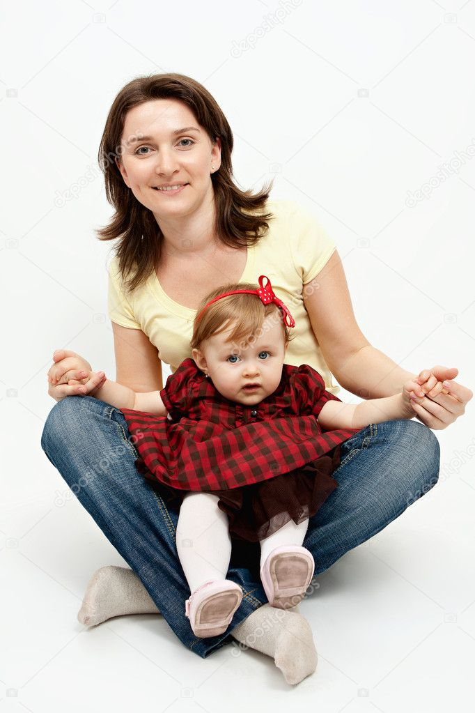 Mother and baby daughter isolated on white — Stock Photo #5060875