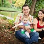 Семейный портрет - матери отца и ребенка дочь — Стоковое фото