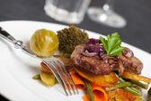 Swabian steak with roasted onion rings — Stock Photo