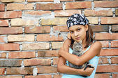 Teenage girl portrait with cat — Stock Photo