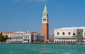 Seaview of Piazza San Marco and The Doge's Palace — Foto Stock