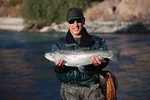 Αλιείας στο ποτάμι βουνό — Φωτογραφία Αρχείου