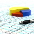 Stockfoto: Spreadsheet and pen