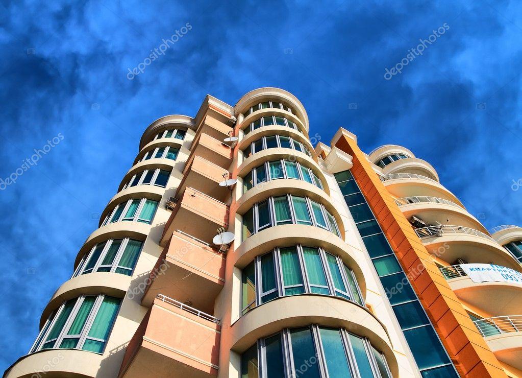 Остекление и отделка балконов и лоджий под ключ - недорого.