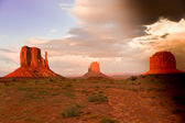 Sunset in Monument Valley — Stock Photo