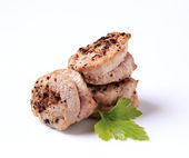Pan roasted pork tenderloin medallions — Stock Photo