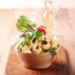 Tortellini with pesto and sauce — Stock Photo #4602376