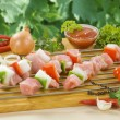 Chicken kebabs ready to be grilled — Stock Photo