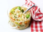 Pollo pasta y verduras wih stock — Foto de Stock