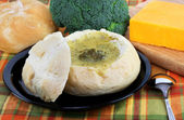 Broccoli Cheddar Cheese Soup in Bread Bowl — Stock Photo