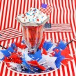 Foto Stock: Strawberries and Cream for the Fourth of July