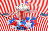 Strawberries and Cream for the Fourth of July — Stock Photo