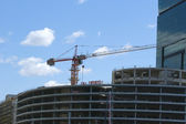 Concrete Building Construction against the blue cloudless sky — Stock Photo