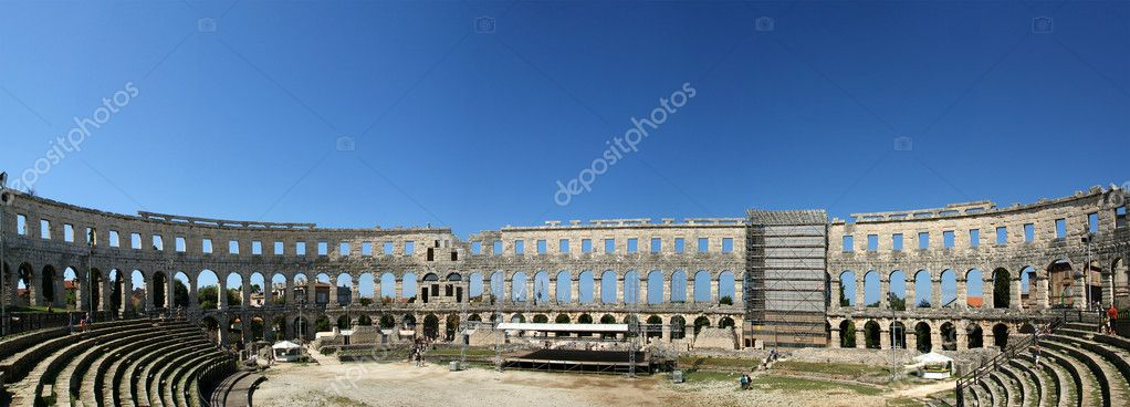 Panoramic view of the Arena (colosseum)  in Pula, Croatia — Stock Photo #4564979