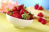 Fresh Strawberries in White Ceramic Bowl — Stock Photo