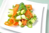 Cukinia sałatka z marchewki — Zdjęcie stockowe
