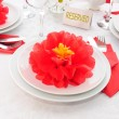Tableware decoration paper towels in the form of a flower — Stock Photo