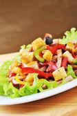 Salat auf teller — Stockfoto