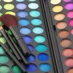 göz gölgeler paleti ve fırçalar — Stok fotoğraf