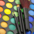 Eye shadows palette and brushes — Foto de stock #5336113