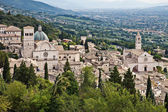 View of Assisi Cathedral of San Rufino and Basilica di Santa Chiara, Umbria — Stock Photo