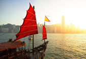 Sailboat in Hong Kong harbor — Stock Photo