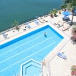 Tropical Pool Beside the blue ocean water — Stock Photo