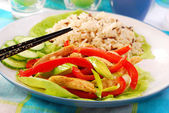 Oriental chicken with vegetables — Stock Photo
