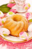 Lemon ring cake for easter — Stock Photo