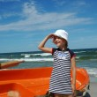 Young girl on beach — Stock Photo