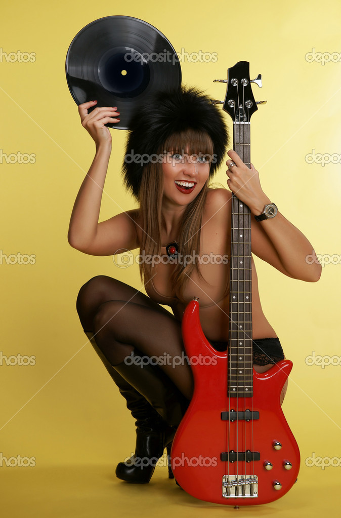 Message Hot completely naked girls playing the guitar has