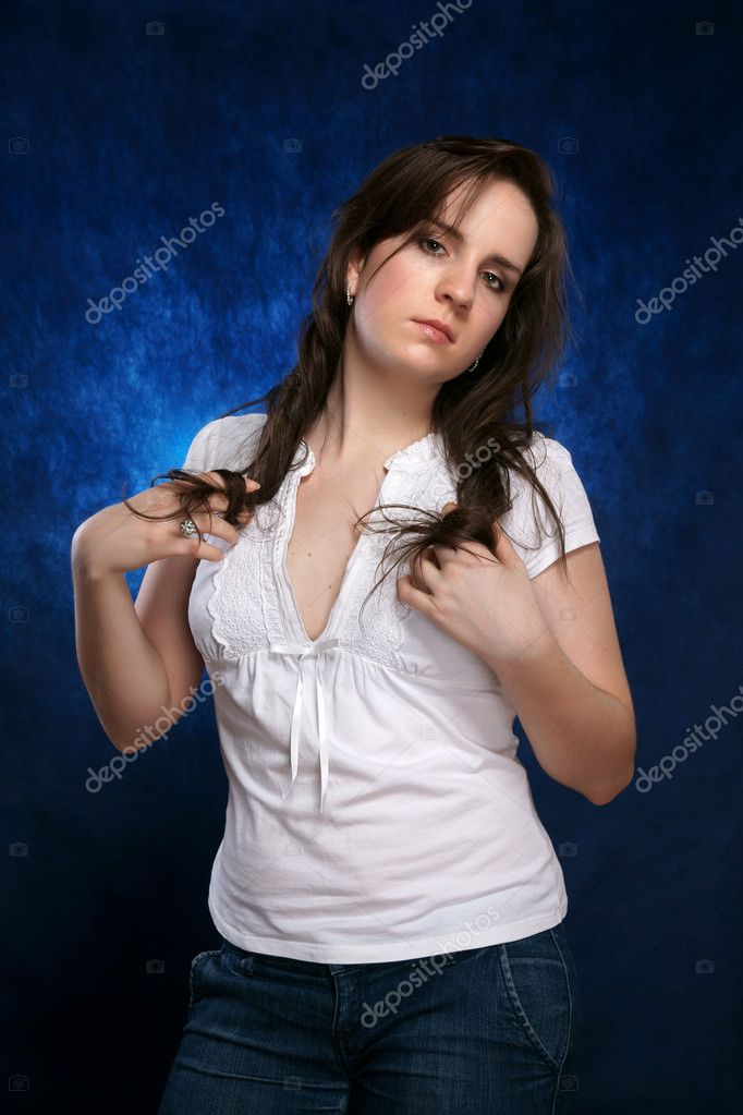 Portrait of the beautiful girl — Stock Photo #4339765