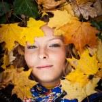 Girl in golden autumn park — Stock Photo