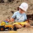 Little child play with sand — Stock Photo