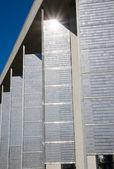 Fassade mit sonnenkollektoren — Stockfoto