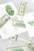 Dollar och diagram — Stockfoto