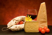 Italian Cheese And Salami — 图库照片