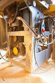 Vi a máquina-ferramenta para trabalhar madeira, com um disco — Fotografia Stock