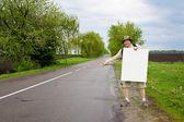 Turistico su una strada di campagna — Foto Stock