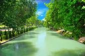 Belle vue sur la rivière boueuse — Photo