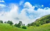 Magisch uitzicht vanuit de bergen naar de vallei — Stockfoto