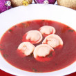 Foto Stock: Red borscht with dumplings