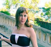 室外肖像年轻女人 — 图库照片