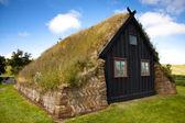 Antigua iglesia de madera, islandia en vidimyri — Foto de Stock