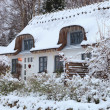 Snowy thatched cottage — Stock Photo