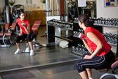 Träna i gymmet — Stockfoto