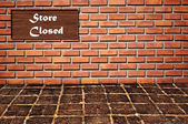 Store closed logo as brickwall — Photo