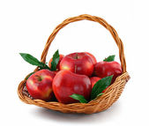 Red apples in basket — Stockfoto