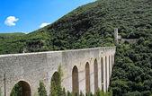 Puente de torres. spoleto. umbría. — Foto de Stock