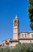 Belltower bazilika st. chiara. assisi. umbrie. — Stock fotografie